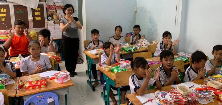 Trung thu 2020 - Lớp học tình thương khóm Nguyễn Du