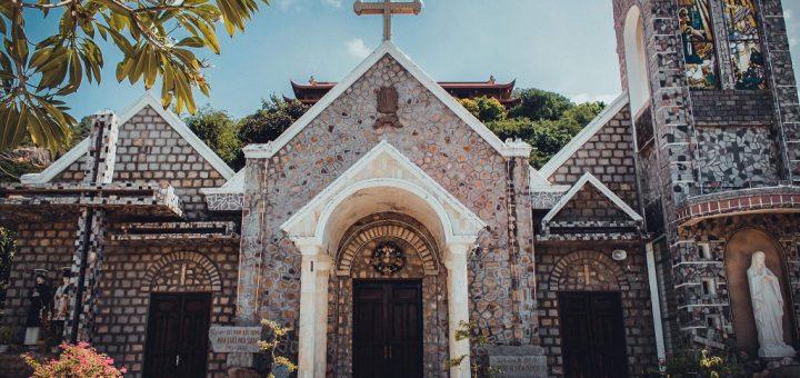 Nhà thờ đá Núi Sam