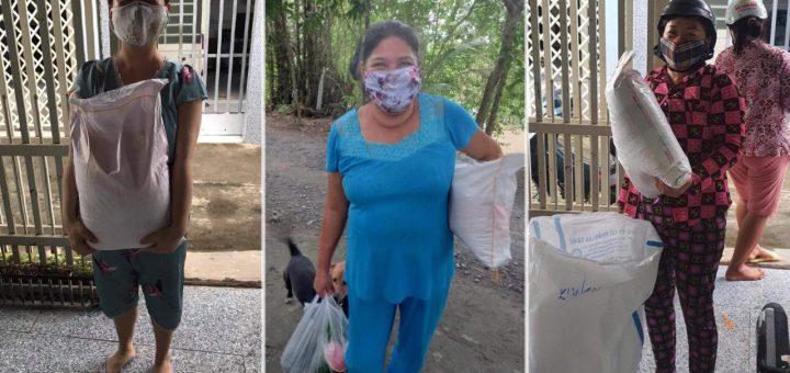 Hỗ trợ gạo cho bà con ở khóm Tây Khánh 7 (Mỹ Hòa, Long Xuyên)